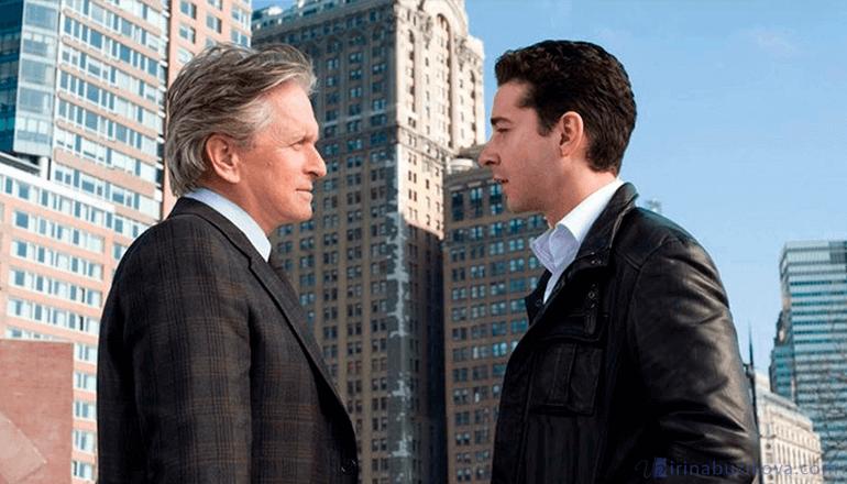 Кадр из фильма Уолл-стрит: деньги не спят